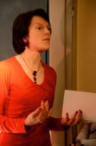 Foto genomen door Marijke Van Welden tijdens mijn voordracht in Den Zwarten Engel